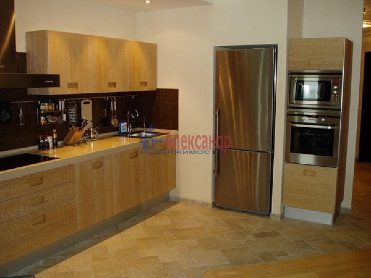 2-комнатная квартира (70м2) в аренду по адресу Науки пр., 17— фото 1 из 2
