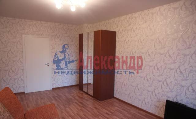 2-комнатная квартира (60м2) в аренду по адресу Савушкина ул., 133— фото 2 из 5