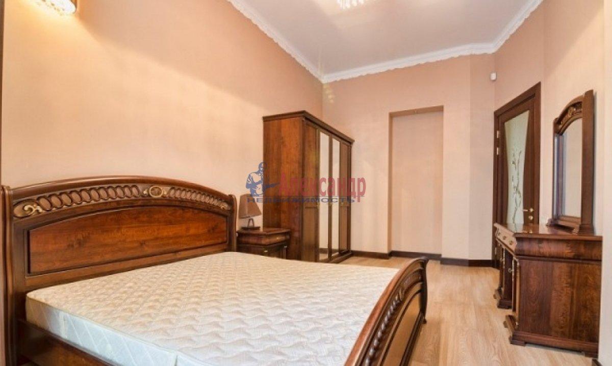 2-комнатная квартира (70м2) в аренду по адресу Богатырский пр., 49— фото 2 из 9
