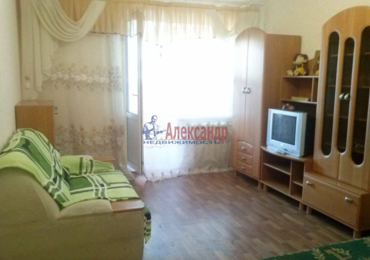 Комната в 3-комнатной квартире (89м2) в аренду по адресу Ленинский пр., 129— фото 2 из 5