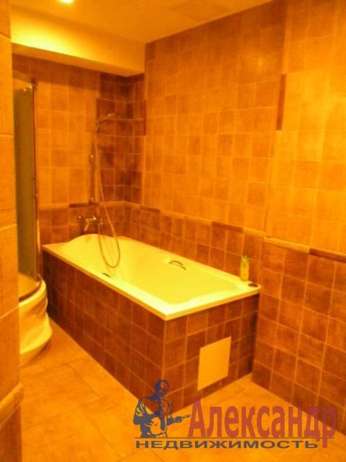 2-комнатная квартира (74м2) в аренду по адресу Декабристов ул., 16— фото 7 из 10