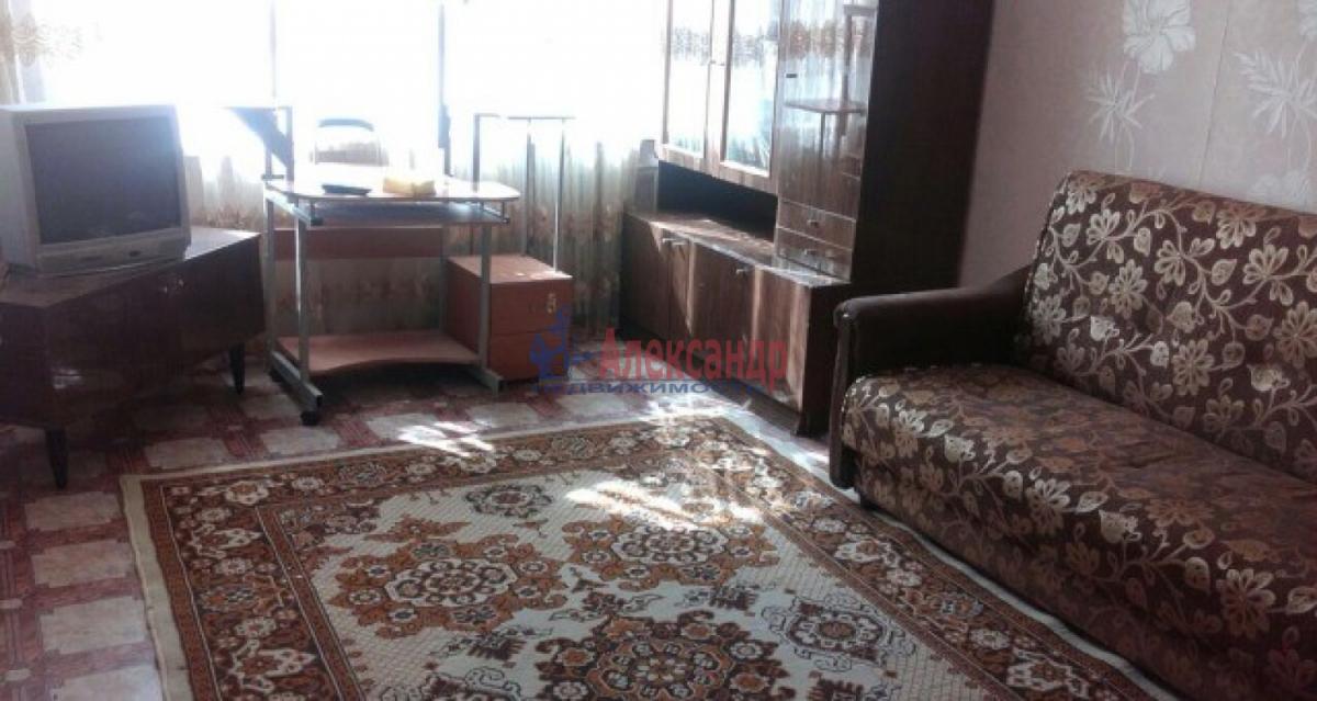 1-комнатная квартира (35м2) в аренду по адресу Дыбенко ул., 38— фото 3 из 6