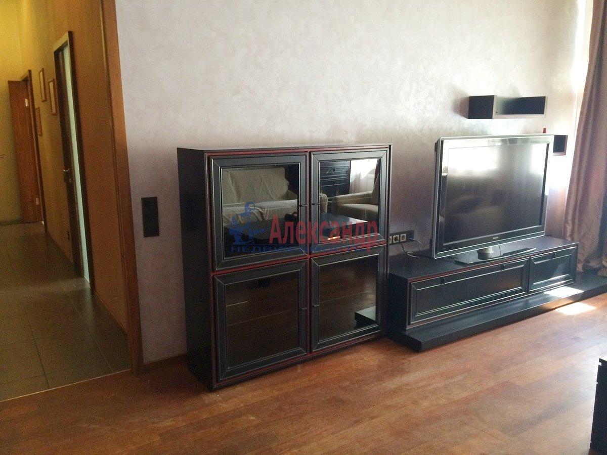 2-комнатная квартира (67м2) в аренду по адресу Гражданская ул., 23— фото 2 из 15