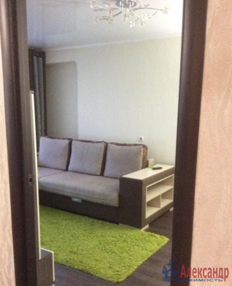 2-комнатная квартира (64м2) в аренду по адресу Камышовая ул., 4— фото 1 из 6