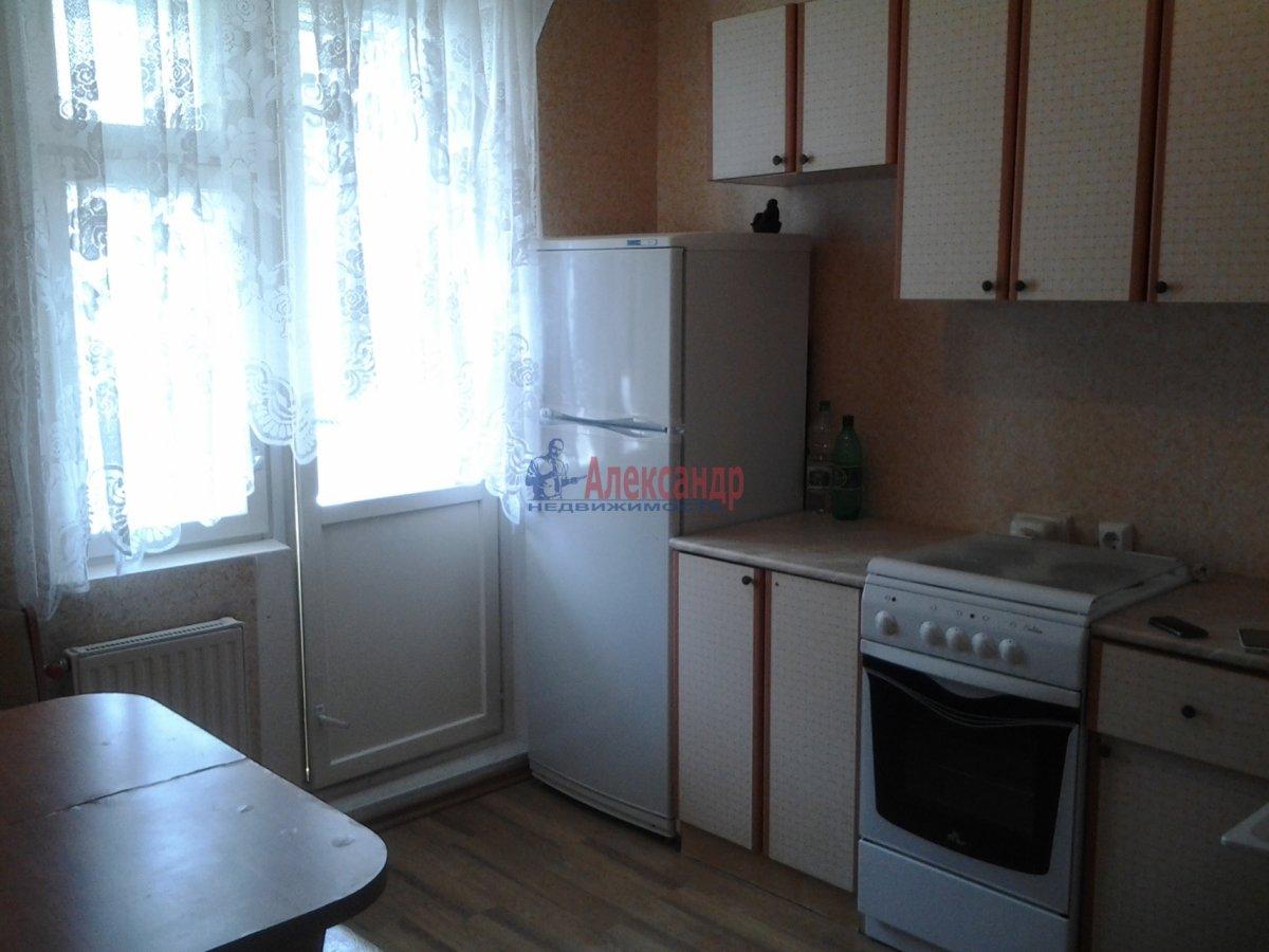 1-комнатная квартира (40м2) в аренду по адресу Австрийская пл., 13— фото 1 из 4