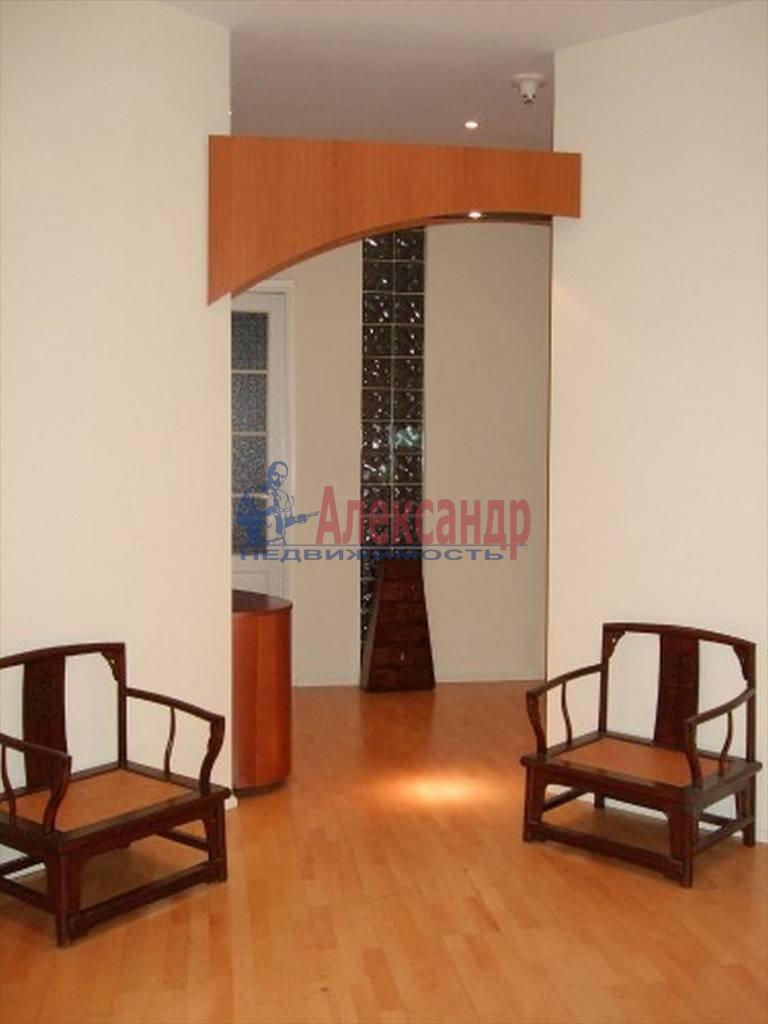 4-комнатная квартира (80м2) в аренду по адресу Полтавская ул., 8— фото 3 из 14