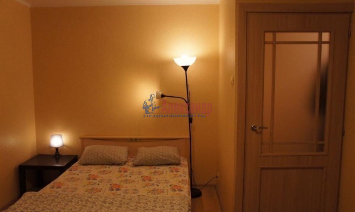 1-комнатная квартира (38м2) в аренду по адресу Ленинский пр., 96— фото 1 из 4