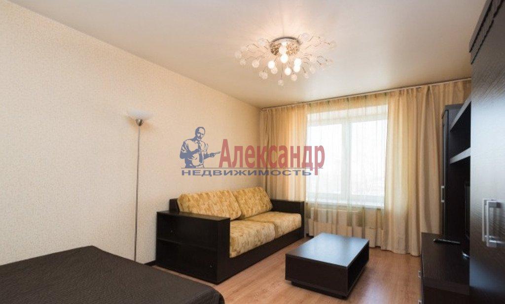 1-комнатная квартира (45м2) в аренду по адресу Кременчугская ул., 9— фото 1 из 3