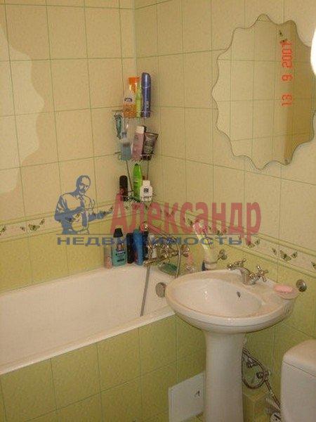 1-комнатная квартира (33м2) в аренду по адресу Купчинская ул., 33— фото 2 из 3