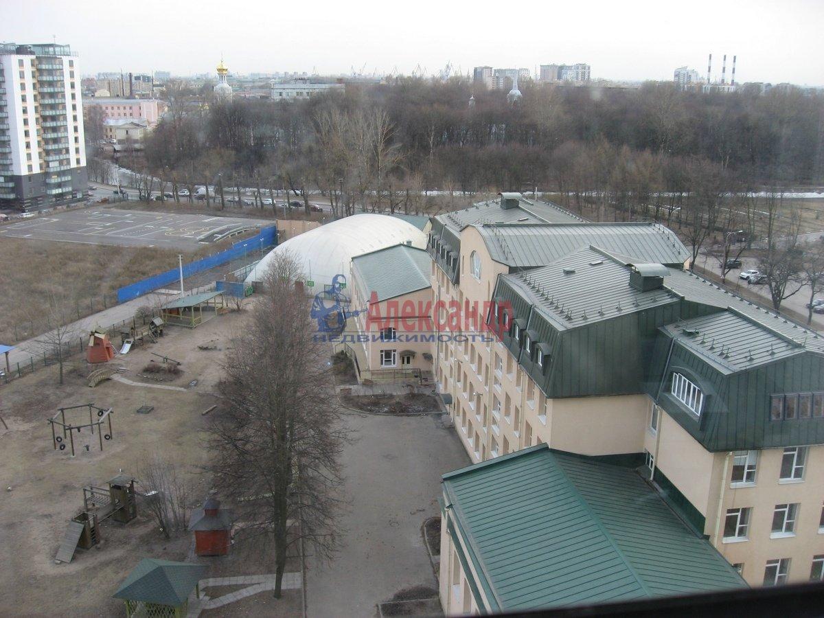 2-комнатная квартира (62м2) в аренду по адресу Одоевского ул., 22— фото 10 из 11