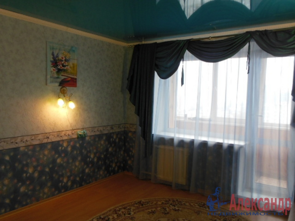 1-комнатная квартира (35м2) в аренду по адресу Лени Голикова ул., 2— фото 1 из 5