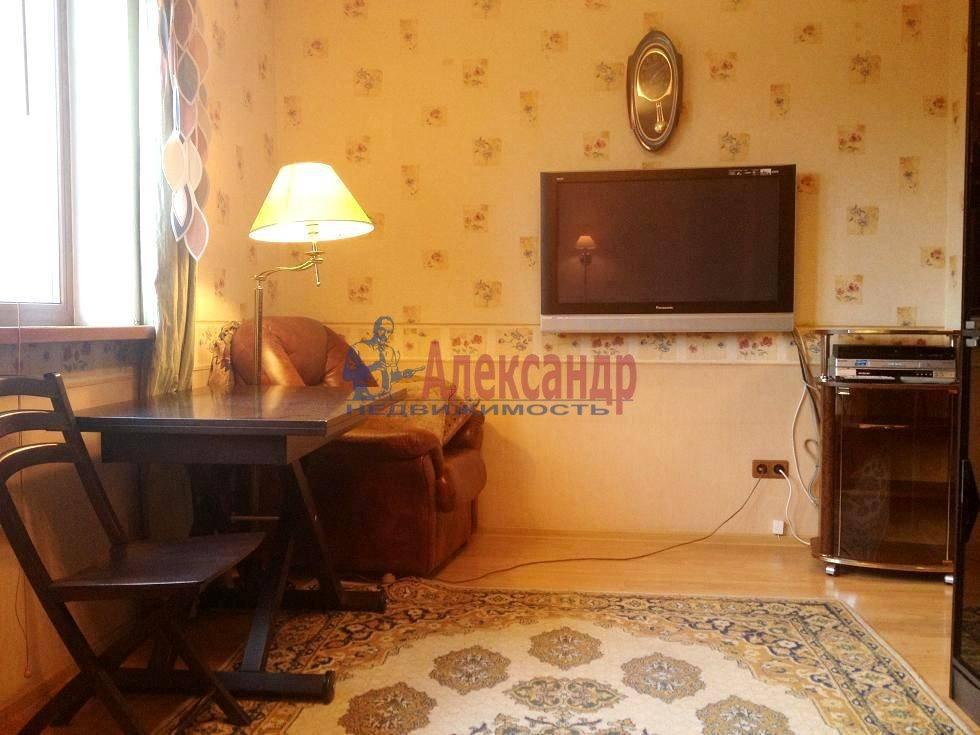 2-комнатная квартира (60м2) в аренду по адресу Испытателей пр., 6— фото 13 из 16