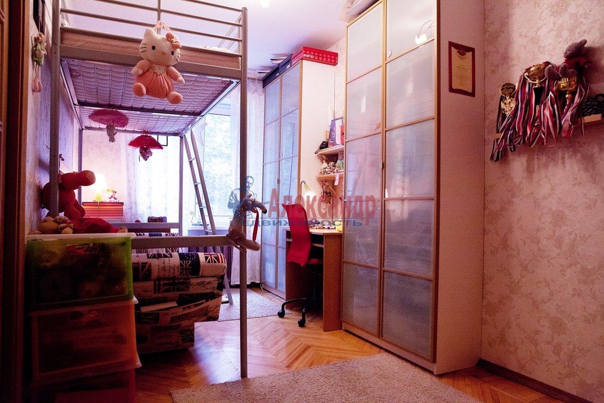 1-комнатная квартира (38м2) в аренду по адресу Пионерстроя ул., 7— фото 1 из 4