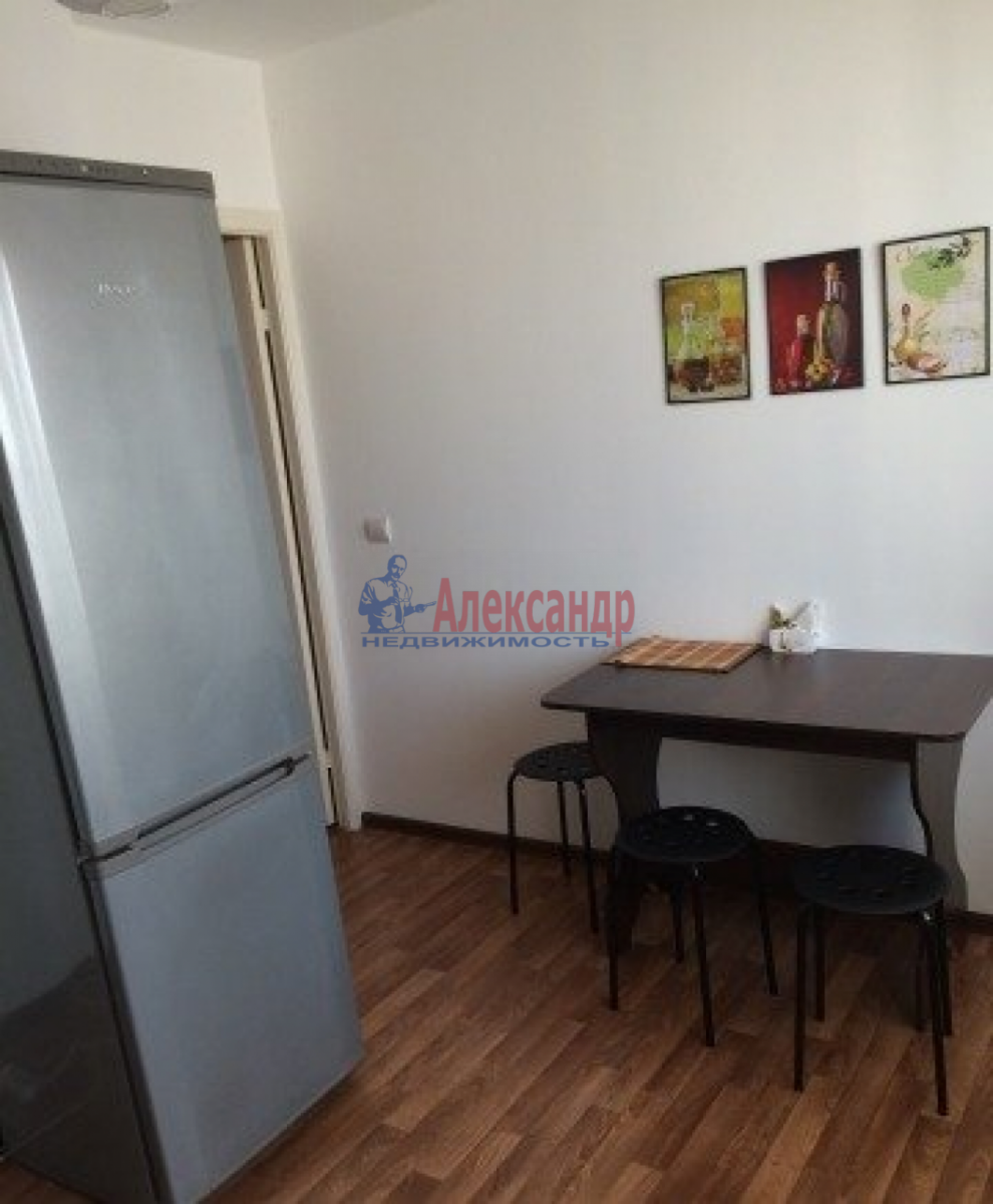 2-комнатная квартира (60м2) в аренду по адресу Брестский бул., 18— фото 3 из 8