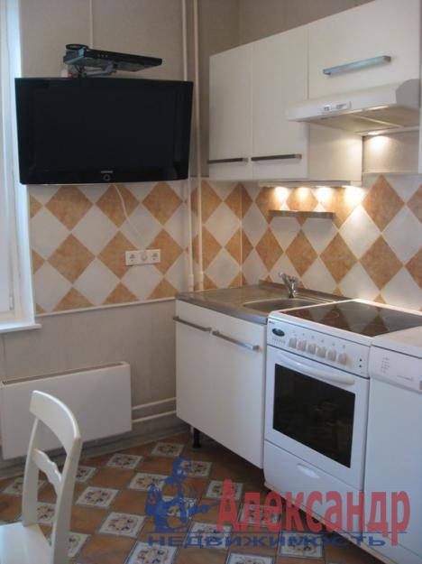 1-комнатная квартира (40м2) в аренду по адресу Юрия Гагарина просп., 12— фото 1 из 3