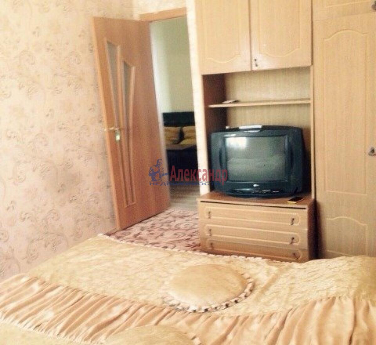 Комната в 3-комнатной квартире (78м2) в аренду по адресу Маринеско ул., 9— фото 1 из 3