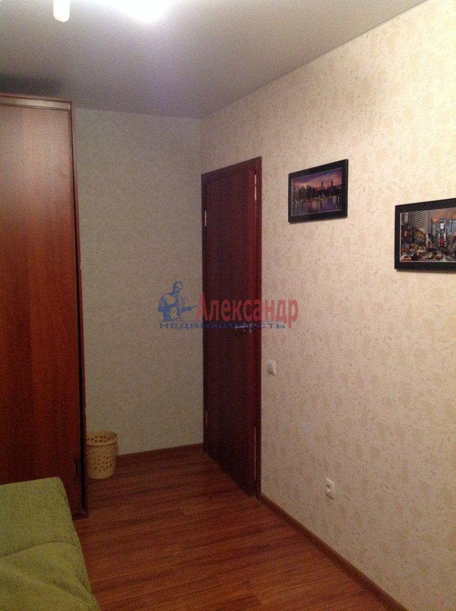 Комната в 4-комнатной квартире (86м2) в аренду по адресу Краснопутиловская ул., 99— фото 2 из 8