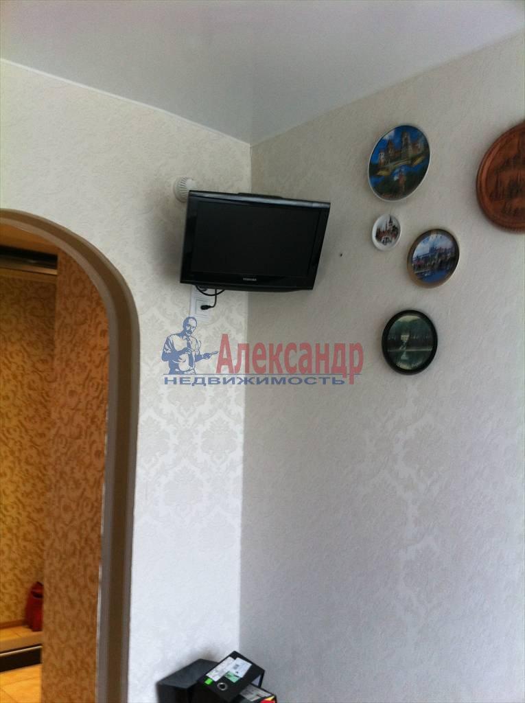 2-комнатная квартира (62м2) в аренду по адресу Бадаева ул., 6— фото 10 из 27