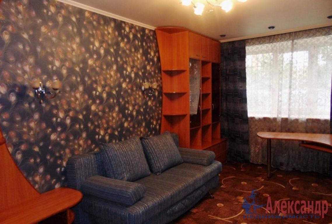 1-комнатная квартира (38м2) в аренду по адресу Композиторов ул., 15— фото 1 из 2