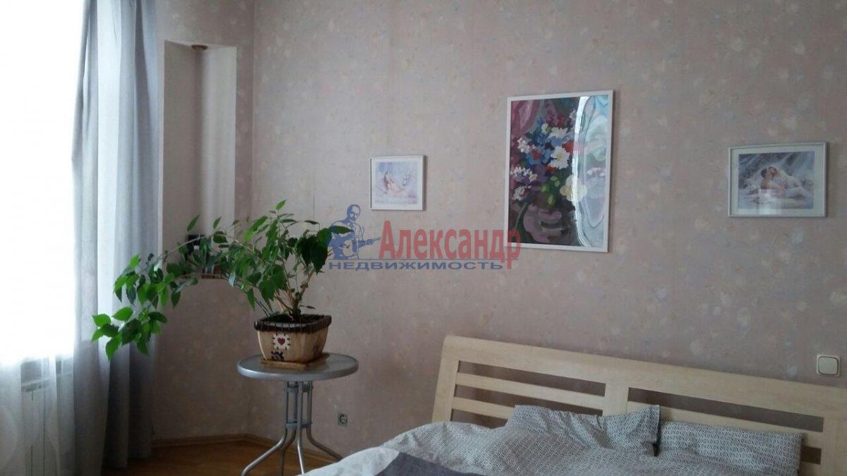 Комната в 3-комнатной квартире (105м2) в аренду по адресу Тульская ул., 9— фото 3 из 11