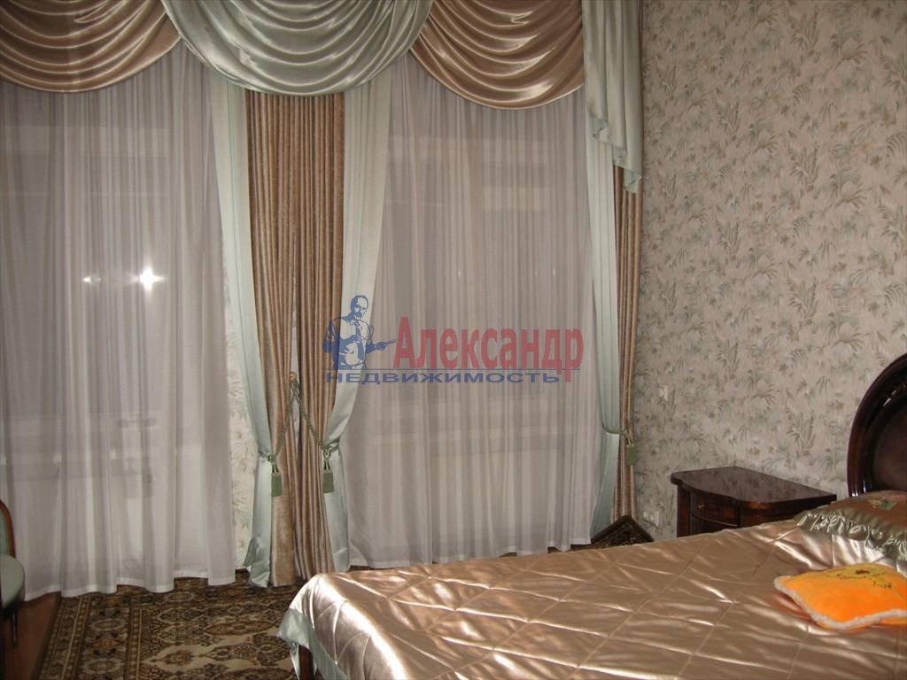 4-комнатная квартира (110м2) в аренду по адресу Малый пр., 26— фото 3 из 6