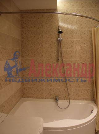 2-комнатная квартира (65м2) в аренду по адресу Обуховской Обороны пр., 110— фото 1 из 7