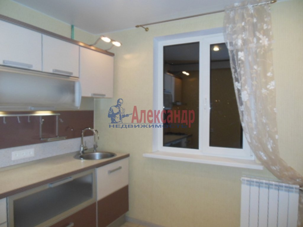 1-комнатная квартира (36м2) в аренду по адресу Десантников ул., 32— фото 1 из 8