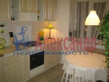 2-комнатная квартира (65м2) в аренду по адресу Звездная ул., 8— фото 1 из 3