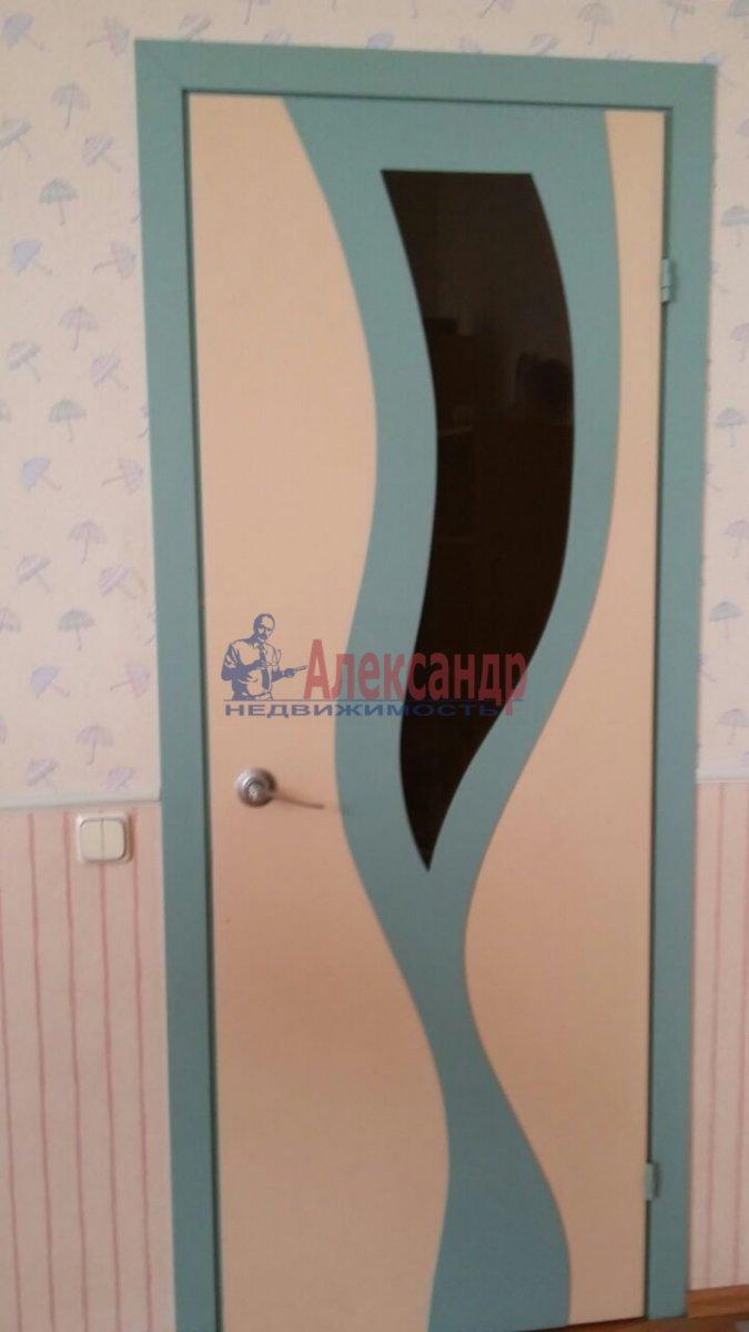 Комната в 3-комнатной квартире (105м2) в аренду по адресу Тульская ул., 9— фото 4 из 11