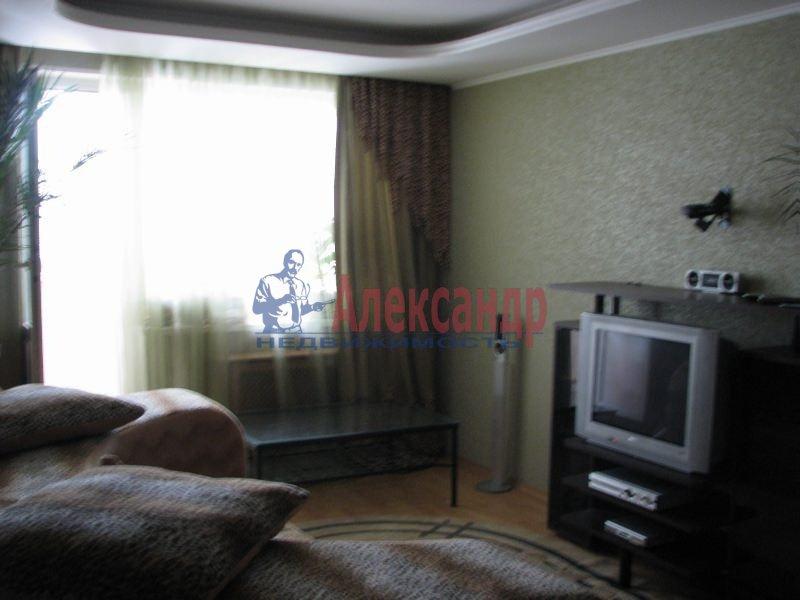 2-комнатная квартира (65м2) в аренду по адресу Сикейроса ул., 11— фото 1 из 1