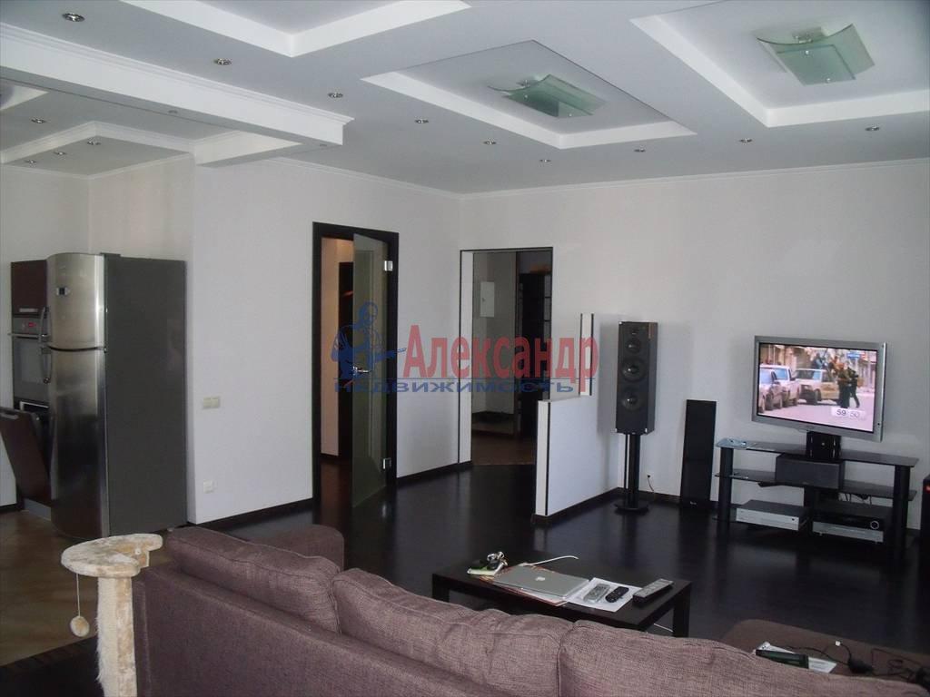 2-комнатная квартира (80м2) в аренду по адресу Кораблестроителей ул., 30— фото 3 из 8