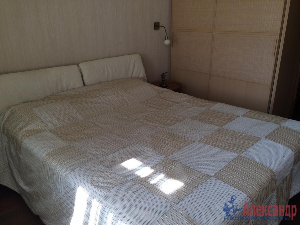 2-комнатная квартира (67м2) в аренду по адресу Гражданская ул., 23— фото 8 из 15