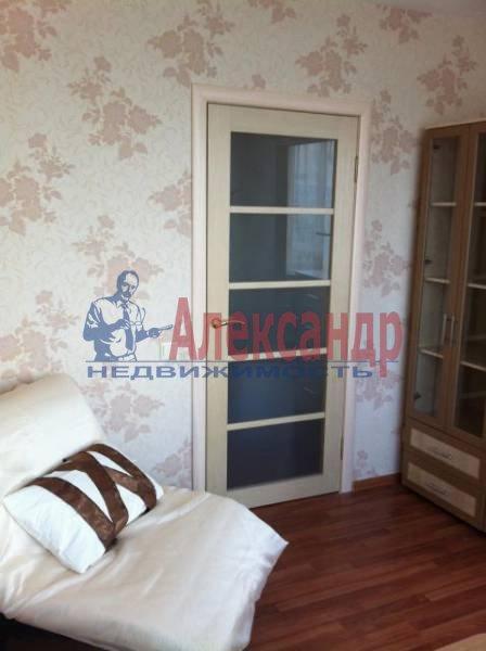 3-комнатная квартира (82м2) в аренду по адресу Пражская ул., 9— фото 4 из 11