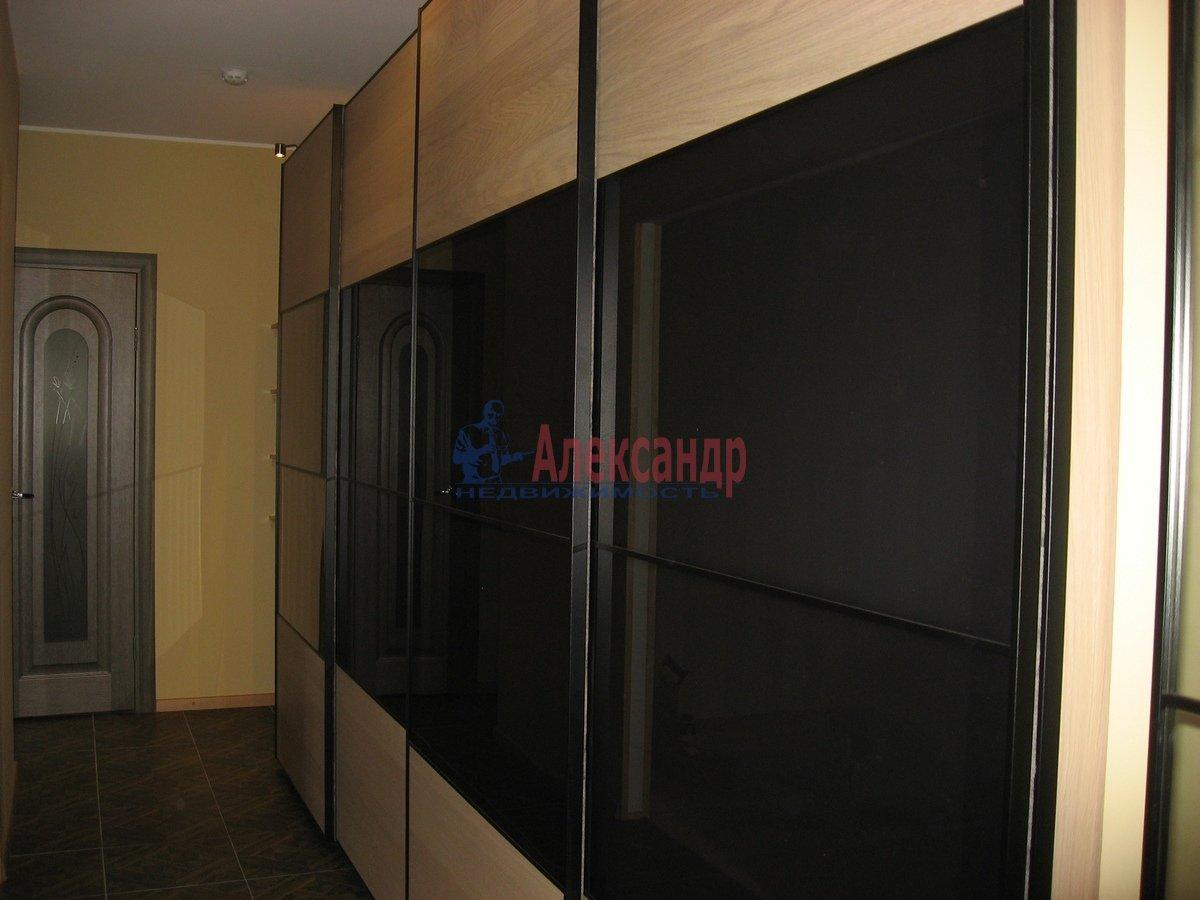 2-комнатная квартира (62м2) в аренду по адресу Одоевского ул., 22— фото 3 из 11