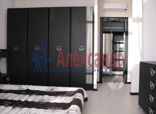 2-комнатная квартира (75м2) в аренду по адресу Новгородская ул., 23— фото 12 из 16