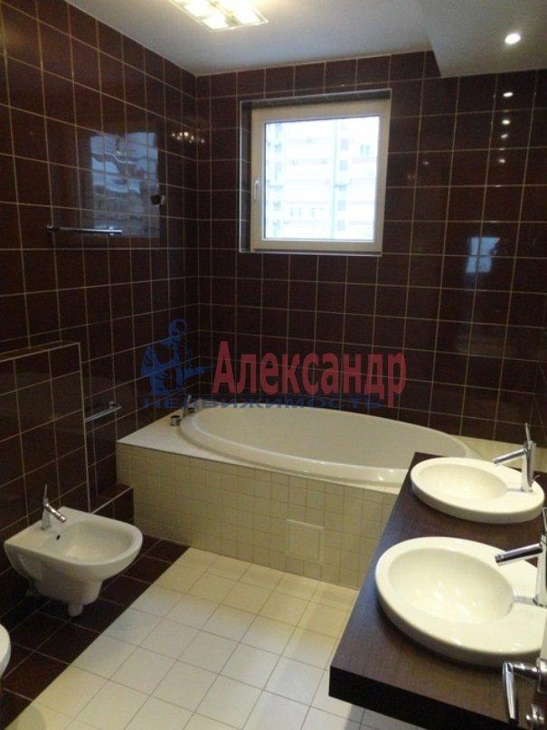 3-комнатная квартира (121м2) в аренду по адресу Космонавтов просп., 37— фото 8 из 8