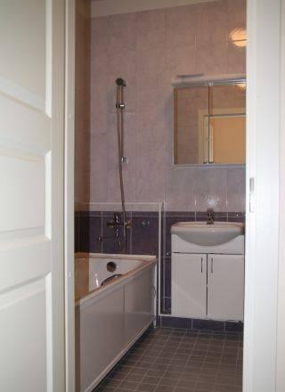 3-комнатная квартира (90м2) в аренду по адресу Большой пр., 76— фото 3 из 4