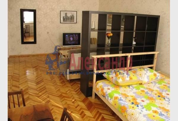 2-комнатная квартира (70м2) в аренду по адресу Марата ул., 4— фото 1 из 9