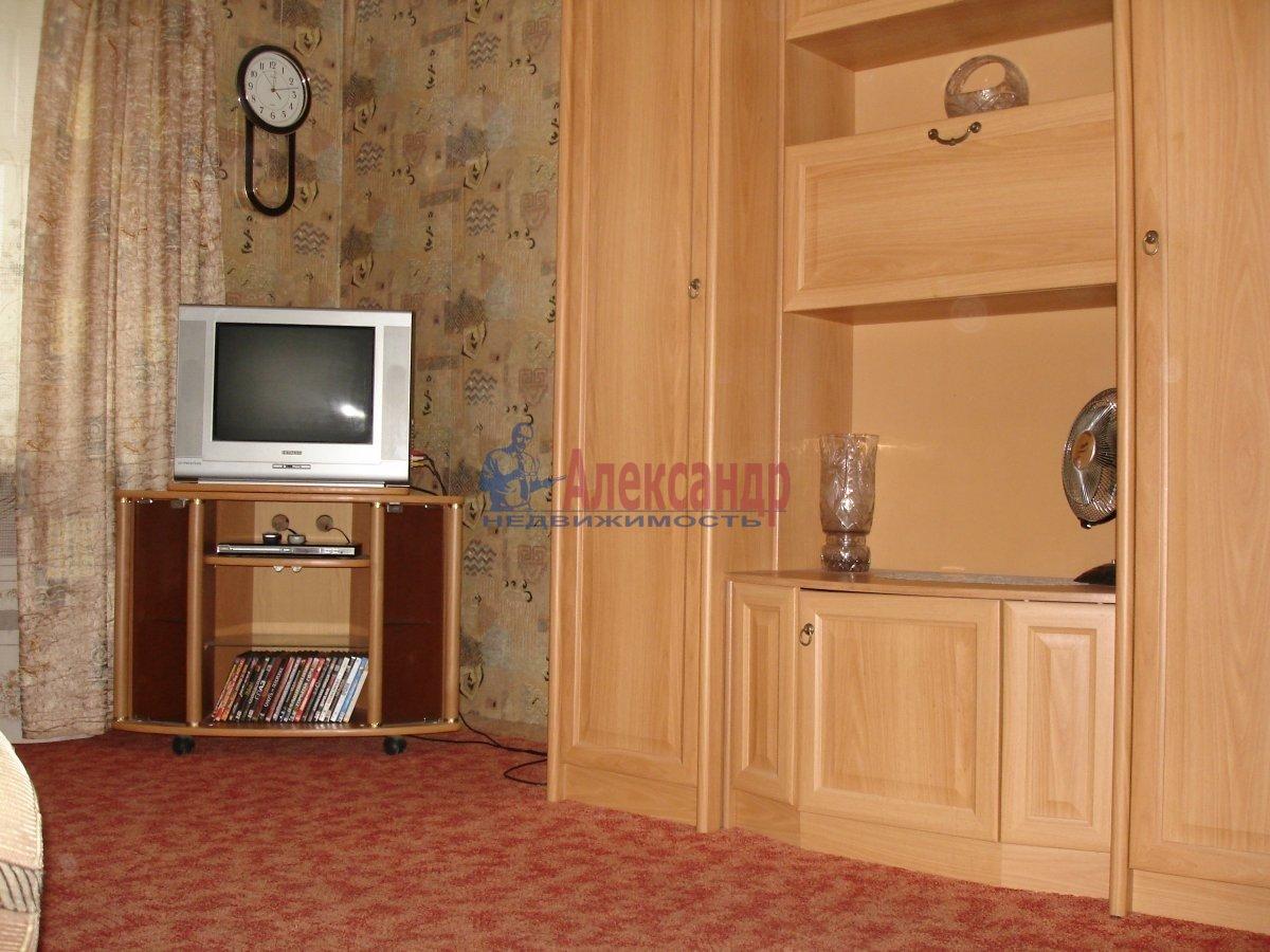 2-комнатная квартира (56м2) в аренду по адресу Выборгское шос., 17— фото 1 из 1