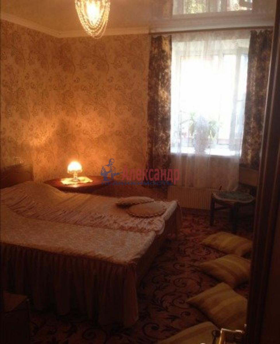 Комната в 3-комнатной квартире (78м2) в аренду по адресу Маринеско ул., 9— фото 2 из 3