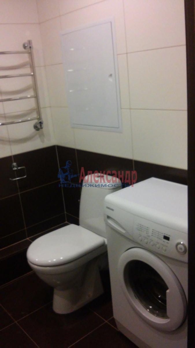 1-комнатная квартира (40м2) в аренду по адресу Просвещения пр., 15— фото 2 из 8