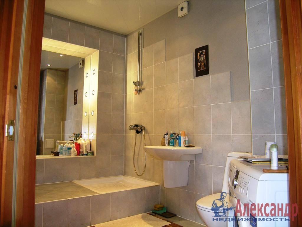 1-комнатная квартира (42м2) в аренду по адресу Учительская ул., 18— фото 1 из 3