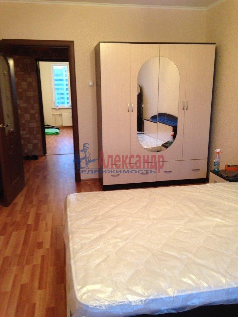 2-комнатная квартира (66м2) в аренду по адресу Ткачей ул., 5— фото 6 из 9