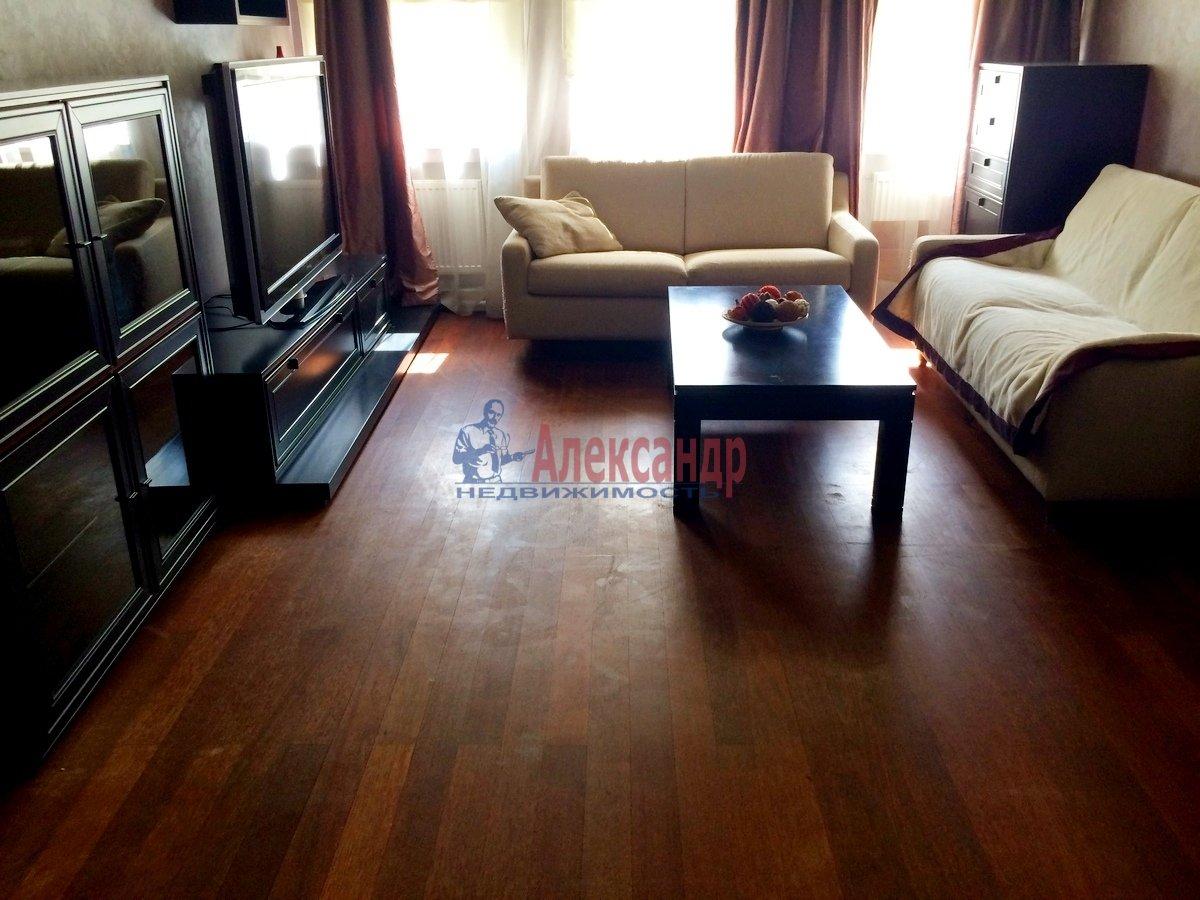 2-комнатная квартира (67м2) в аренду по адресу Гражданская ул., 23— фото 1 из 15