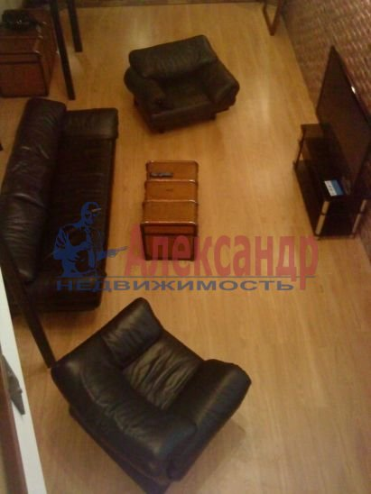 1-комнатная квартира (95м2) в аренду по адресу Большая Конюшенная ул., 17— фото 4 из 9