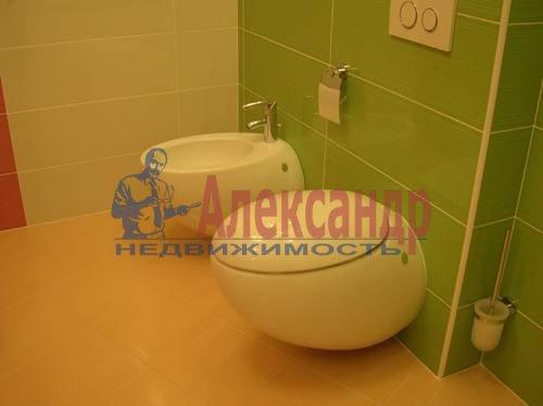 2-комнатная квартира (80м2) в аренду по адресу Коломяжский пр., 26— фото 3 из 10