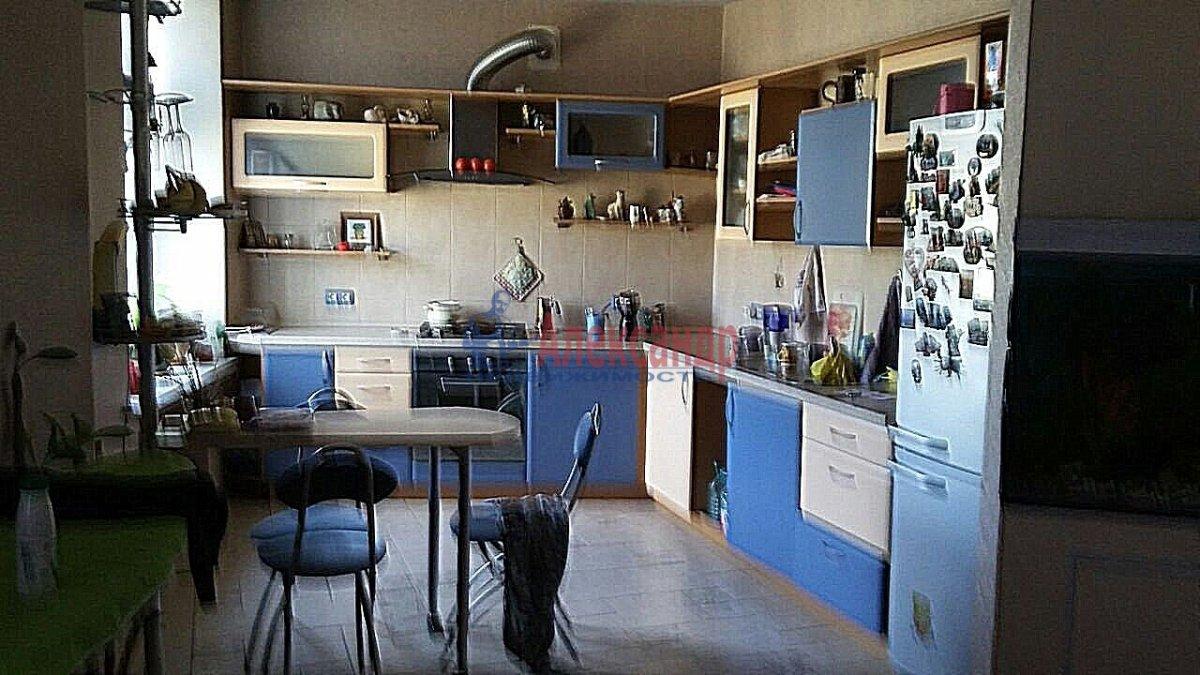 Комната в 3-комнатной квартире (105м2) в аренду по адресу Тульская ул., 9— фото 8 из 11