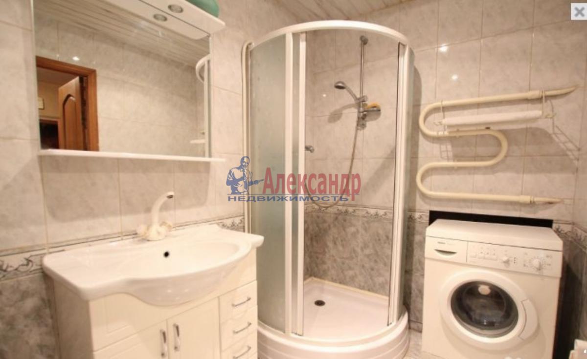 3-комнатная квартира (85м2) в аренду по адресу Чернышевского пл., 10— фото 5 из 9