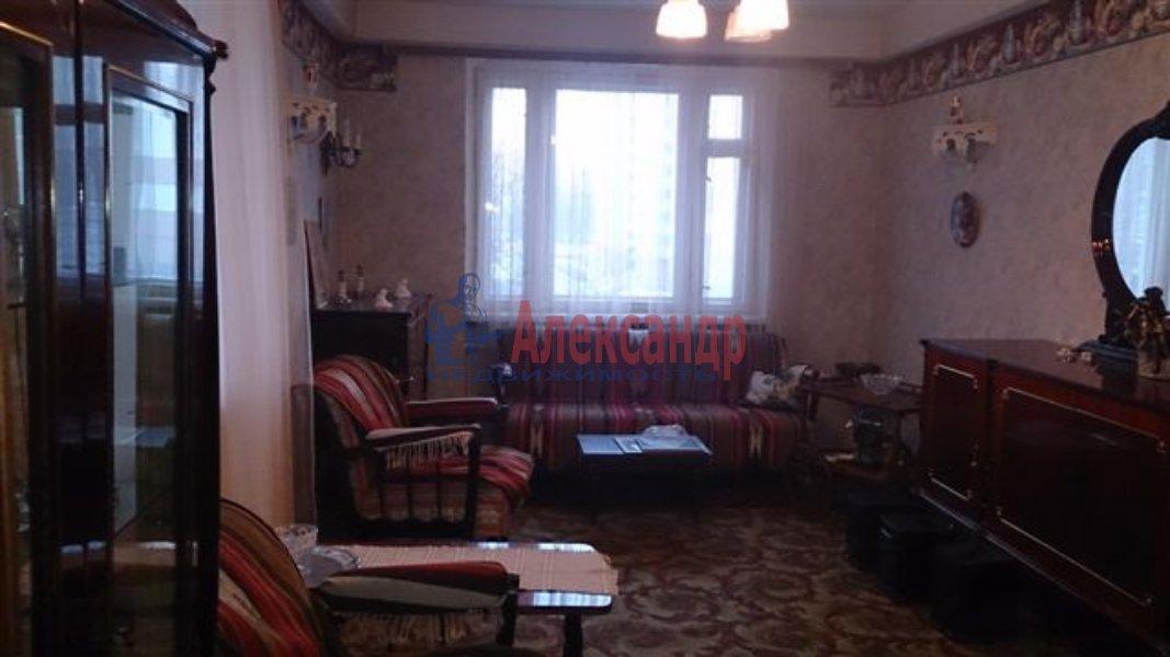 1-комнатная квартира (40м2) в аренду по адресу Полтавская ул., 2— фото 1 из 2
