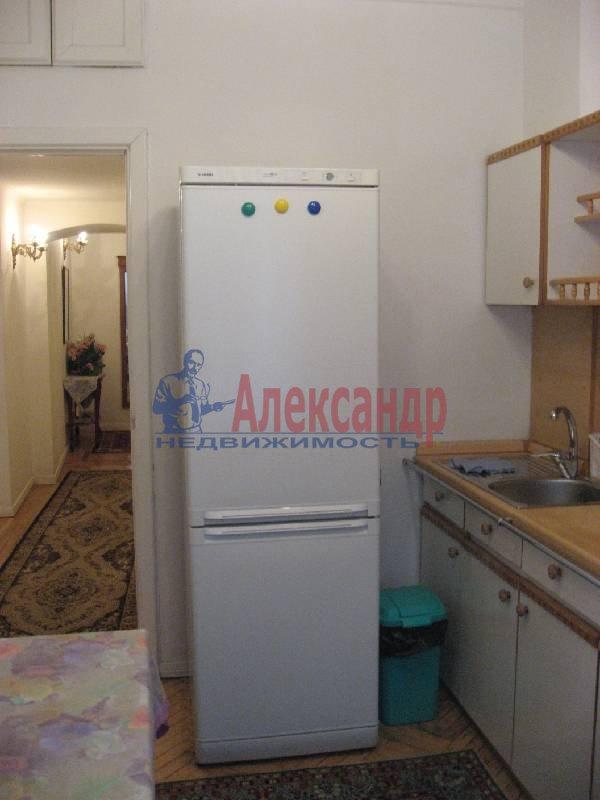 1-комнатная квартира (70м2) в аренду по адресу Рубинштейна ул., 3— фото 5 из 13